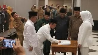Asep Wahyu dan Uus Hasanudin Resmi Dilantik Bupati Karawang