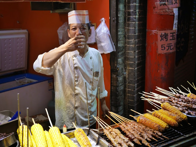 barbecue cook drinking baijiu in Taiyuan
