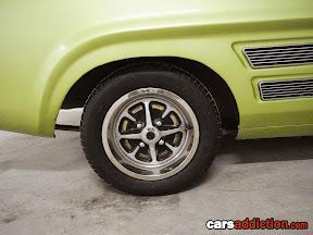 Retro Ford right here!!