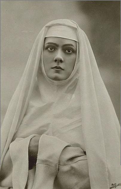 brayton vintage nun