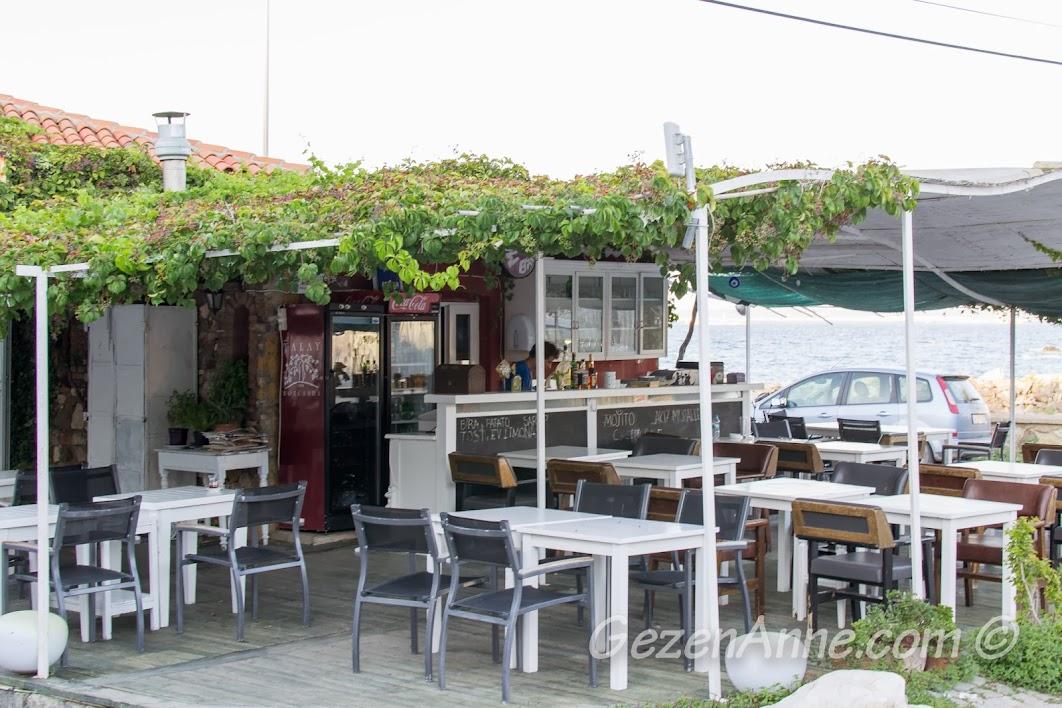 Bozcaada, Otel Kaikias'ın kafesi