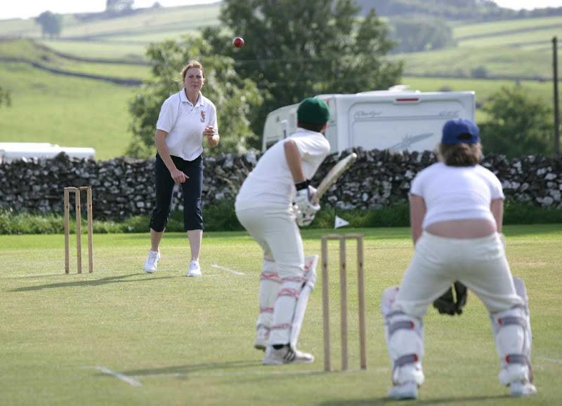 Cricket-Ladies4