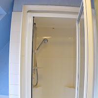 Room X3-bathroom2