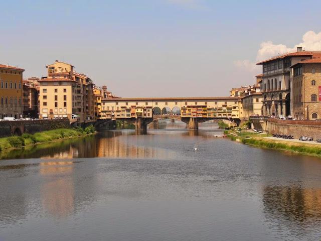 Ponte Vecchio fotografiado desde el Ponte alle Grazie