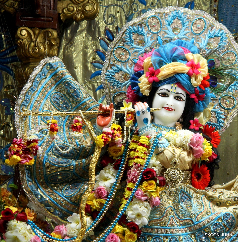 ISKCON Juhu Sringar Deity Darshan on 30th Dec 2016 (6)
