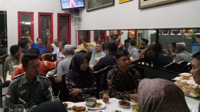Ketua DPRD Pasbar Silaturahmi dengan Mahasiswa di Yogyakarta