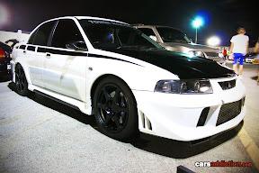 White Lancer Evo