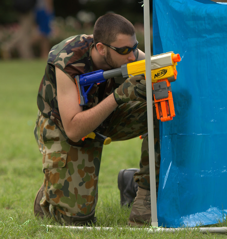 Kelvin Grove war pictures: December 18th   Picture heavy... Nerf%2Bwar%2B017
