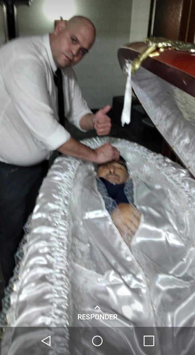 Funcionário de funerária foi despedido após vazar foto com o corpo de Maradona