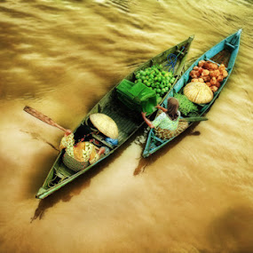 .: barter :. by Faizal Fahmi - Transportation Other ( south borneo, river city, indonesia, tribe, cultural, boat )