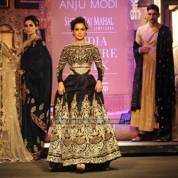 Kangana Ranaut walks the ramp on Day 2 of India Couture Week, 2014, held at Taj Palace hotel, New Delhi.