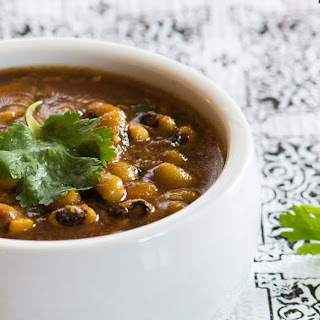 BLACK-EYED BEANS CURRY.