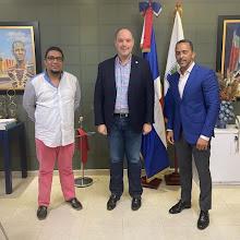 Ex pelotero de las Grandes Ligas Julio Lugo visita al senador José del Castillo