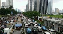 Bekerja Berlibur Menjadi Kebutuhan Pokok Warga Kota
