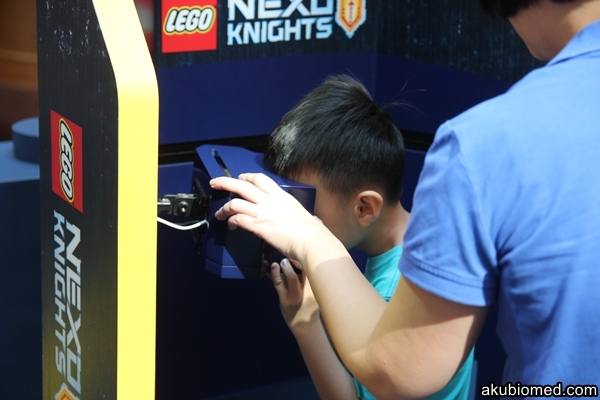 pengalaman virtual reality NEXO KNIGHTS