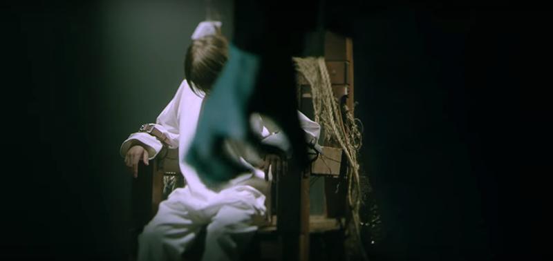 Gambar terakhir dari video menunjukkan Brendon berjalan menuju anak itu untuk menyiksa lagi dengan cara yang kejam.
