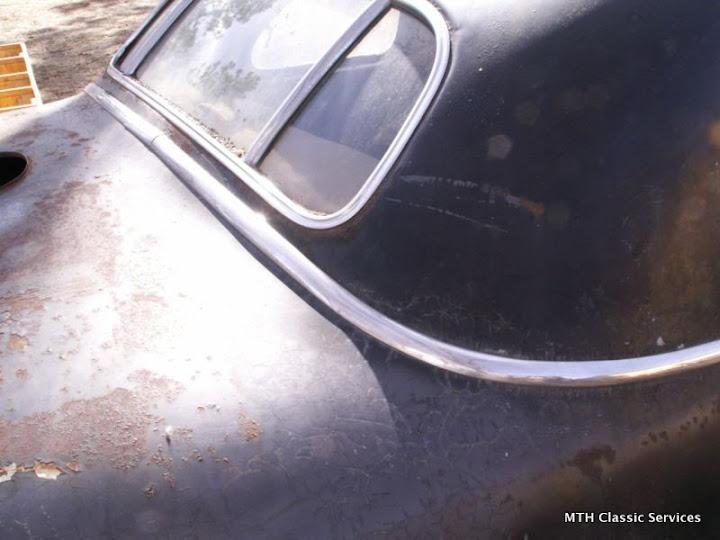 1946-47 Cadillac - 1946%2BCadillac%2Bbusiness%2Bcoupe%2Barmy-16.jpg