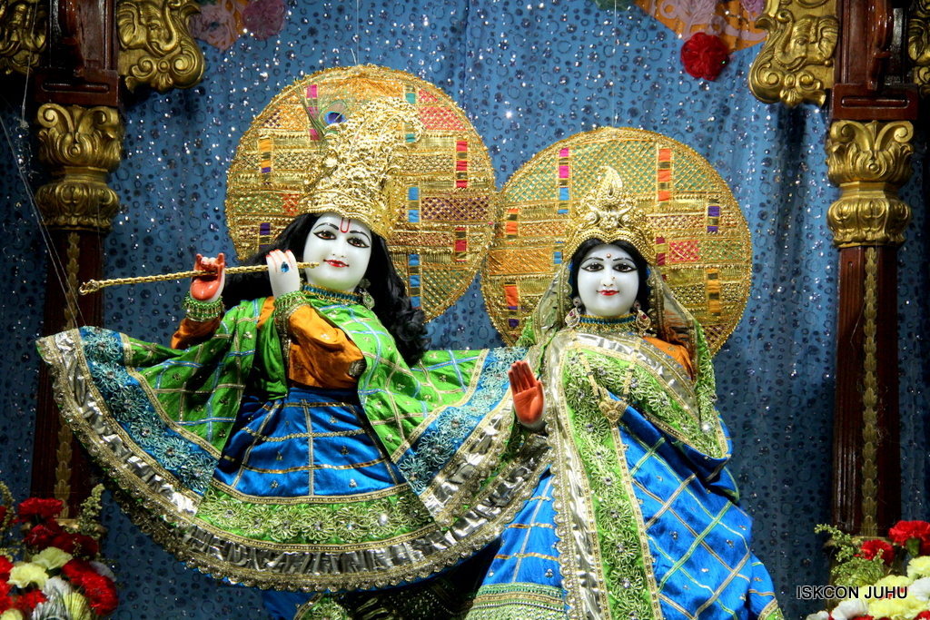 ISKCON Juhu Mangal Deity Darshan on 20th Jan 2017 (18)