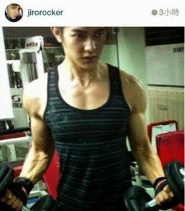 Only4FRH: Jiro in absolute boyfriend awesome arm