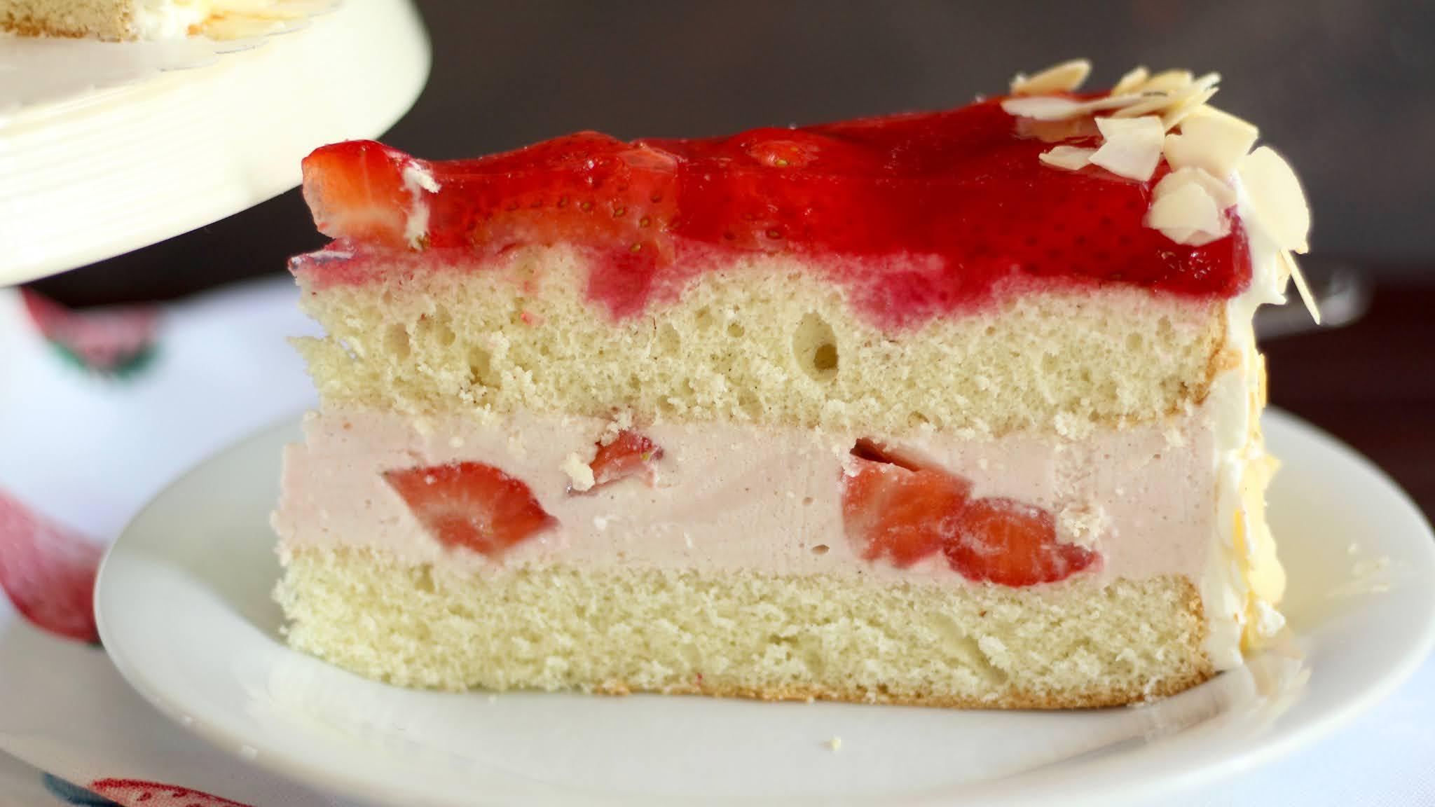 Die klassische Erdbeertorte wie vom Konditor selber backen! Wunderschöne Muttertagstorte | Rezept und Video von Sugarprincess