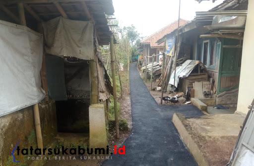 Pembangunan peningkatan jalan pemukiman Desa Kebonpedes // Foto : Dian Syahputra Pasi