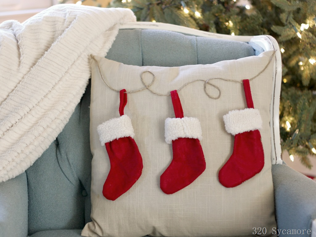 [easy+pottery+barn+knock+off+stocking+pillow%5B5%5D]
