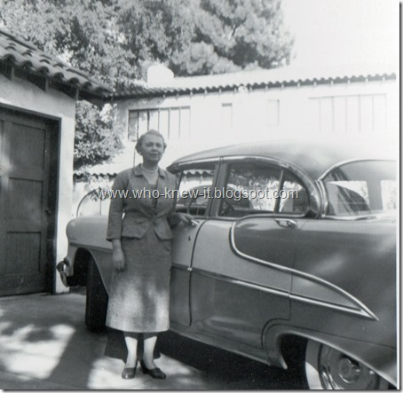 Loraine behind Fresno house 10_9_1955
