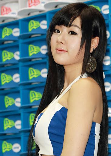 """Hwang Mi Hee khoe dáng """"xì tin"""" tại Gstar 2011 10"""