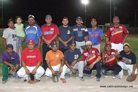 Equipo Nenes del torneo nocturno de softbol