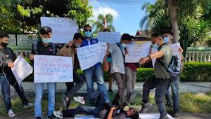 Sejumlah Wartawan Lotim Turun Aksi Nuntut Pecat  Oknum Anggota Pol PP Terhadap Jurnalis