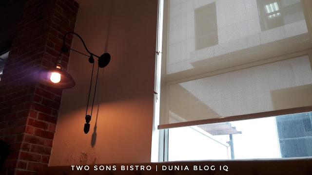 Two Sons Bistro - Hidangan Clam Yang Meletup!