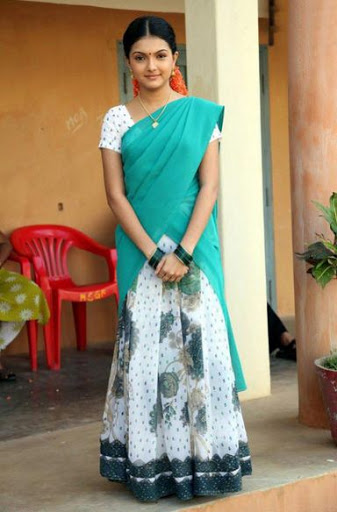 Saranya Mohan Height