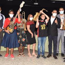 MINERD entrega instrumentos musicales a estudiantes de la Modalidad en Artes