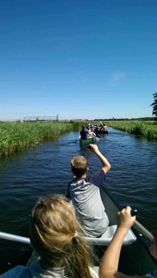Welpen - Zomerkamp 2016 Alkmaar - Kanoen.jpg