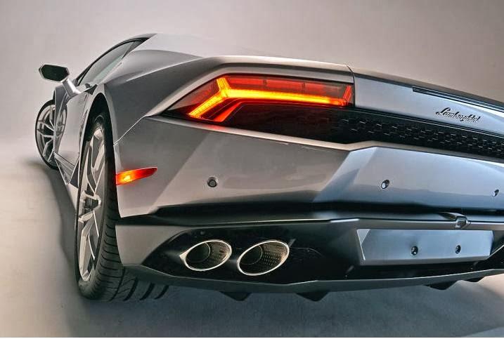 2015-Lamborghini-Huracan-12