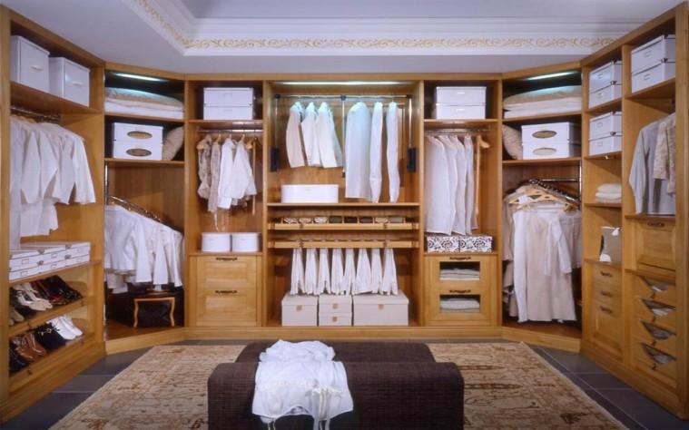Arredo casa mobili armadi per camere da letto for Mobili per interni