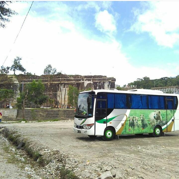 Bus Pariwisata di Solo - Mfaroz Blog