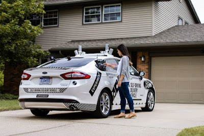 Domino partners with Ford to deliver pizza with self-driving cars
