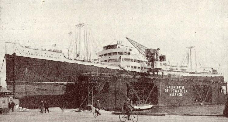 El MAR CANTABRICO en reparación en UNL. Del libro Union Naval de Levante. 1924-1949.jpg