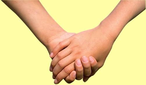 Ketika Suami-Istri Pegangan Tangan, Dosa Mereka Berjatuhan