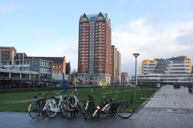 Bicycles in a heap, and more interesting Rotterdam architecture