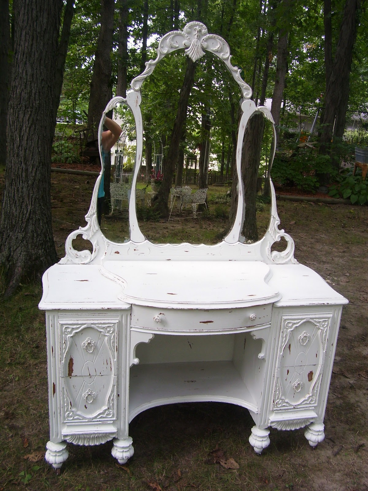- Country Hearth Interiors: Painted Antique Vanity Chest