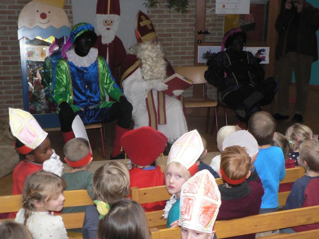 Sinterklaas op bezoek - P1270306.JPG