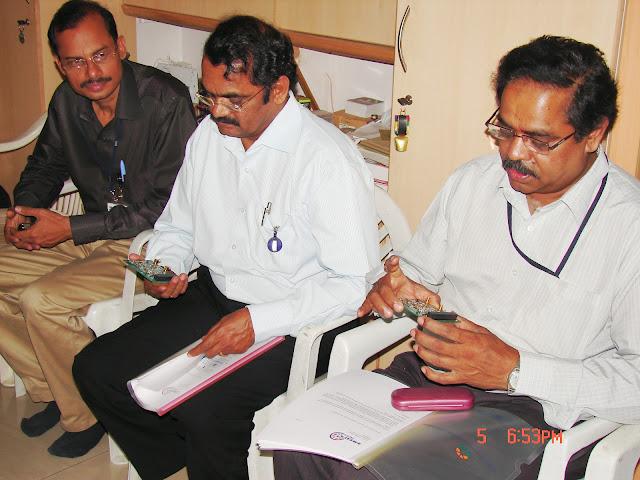Demonstration of Amateur Radio Satellite communication to Mr Annadurai and Mr Raghavamurthy - DSC00143.JPG