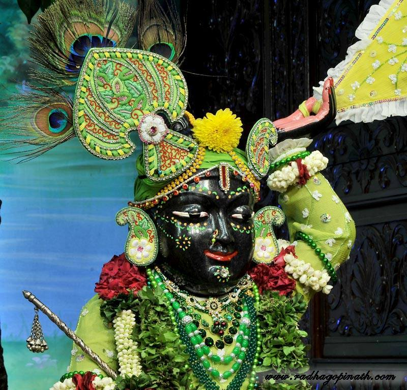 ISKCON Chowpatty Deity Darshan 12 Feb 2016 (21)