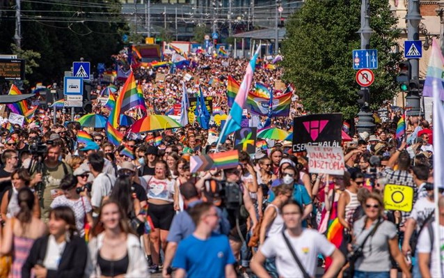 Pride- Ουγγαρία: Χιλιάδες αψήφησαν τον Ορμπάν υποστηρίζοντας τα δικαιώματα της ΛΟΑΤΚΙ+ κοινότητας