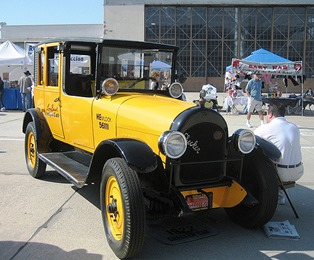 Checker 1923 Model H
