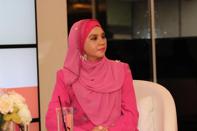 Datin Noor Faezah Binti Mohd Ashref, Naib Presiden Yayasan Wanita Cemerlang