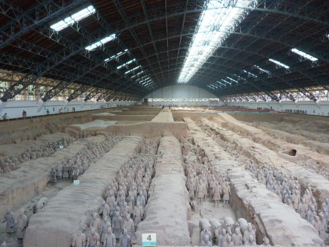 6000 soldats sans compter les chevaux, et ils n ont pas terminé les fouilles