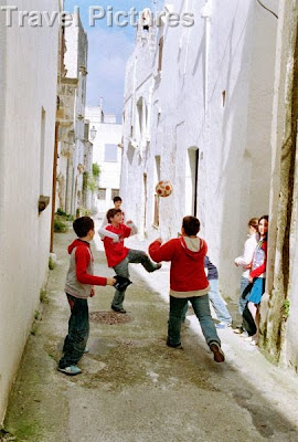 Playing Soccer, Italy